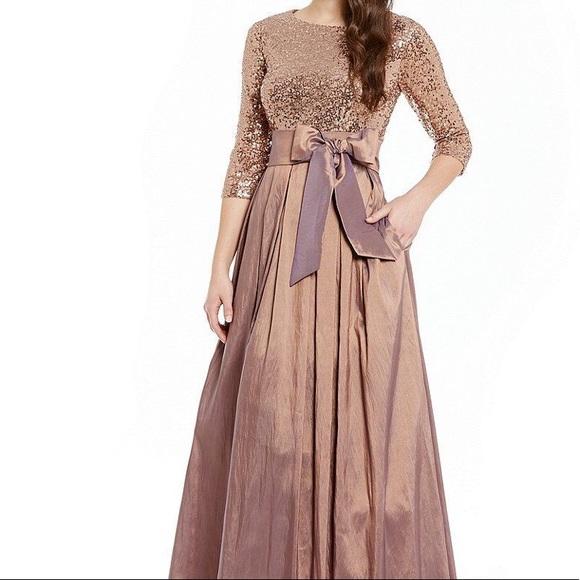 2beaea0ef Ball Gown. M 5c31080d409c154aca6dc869